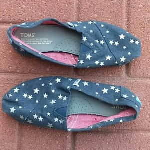 Toms blue canvas flats size 7 stars